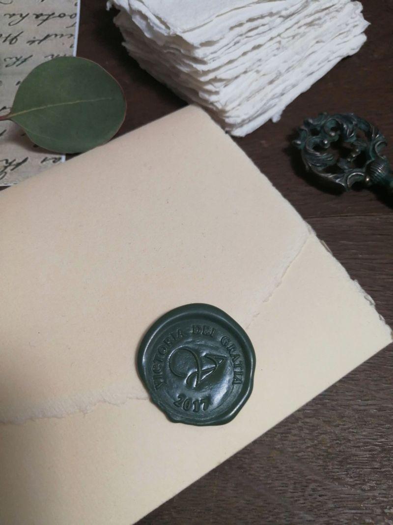 Invitatie nunta hartie manuala cu sigiliu verde venetian - poza 3