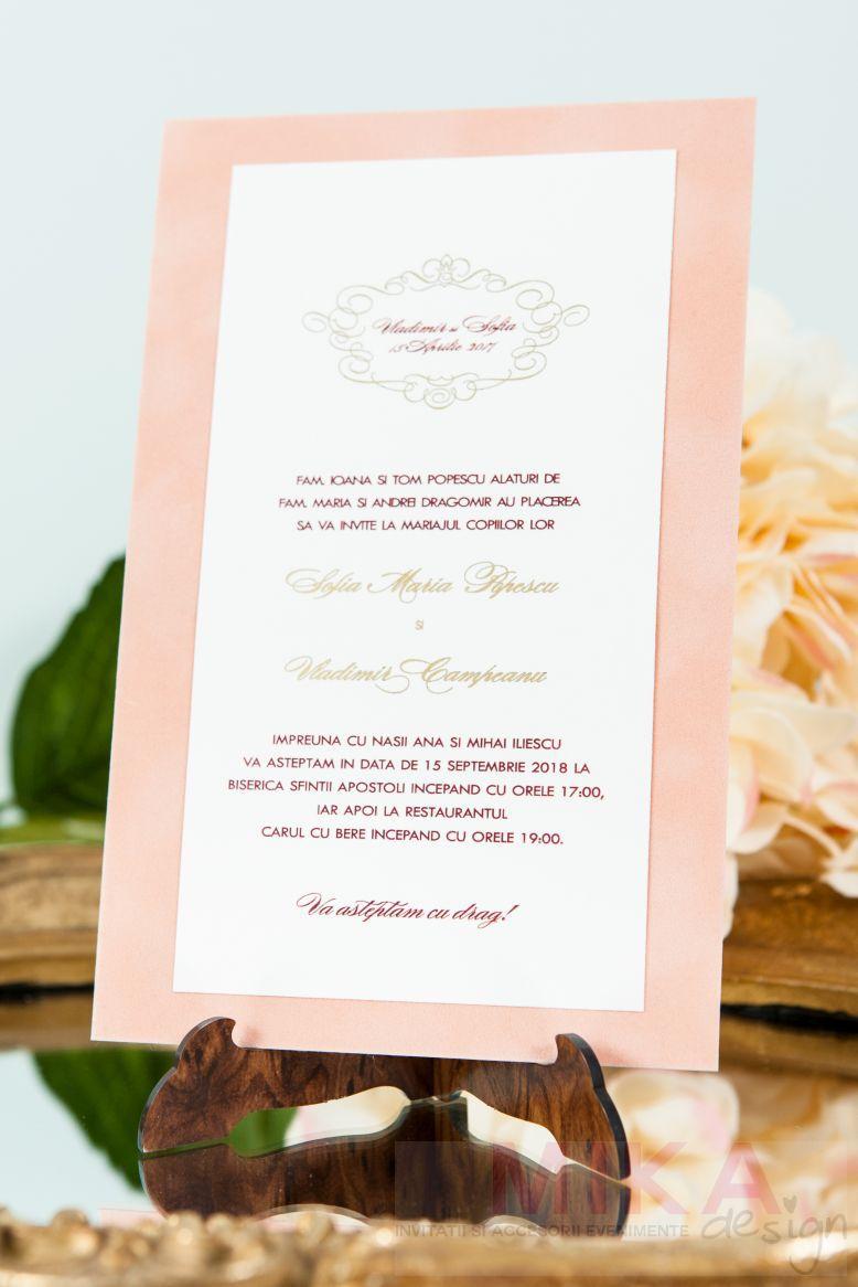 Invitatii nunta catifea crem monograma auriu