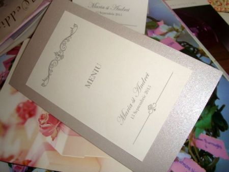 Meniu de nunta din carton argintiu si alb sidefat - poza 1