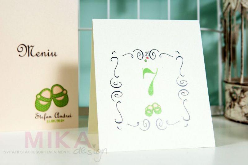 Numar masa cu botosei verde pastel - poza 1
