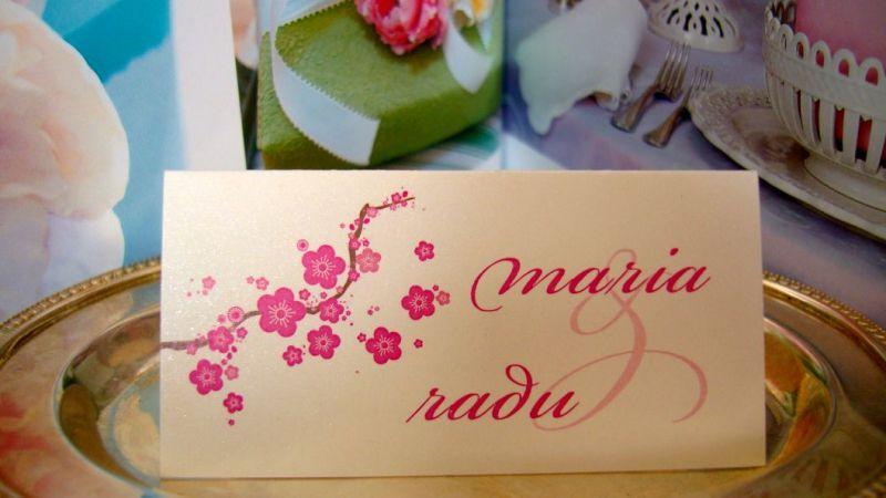 Place card nunta design flori de cires
