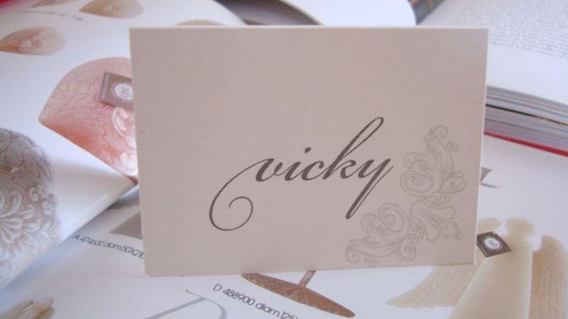 Card cu nume invitati design argintiu - poza 2