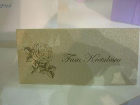 Card de masa nunta din carton auriu, design trandafir vintage