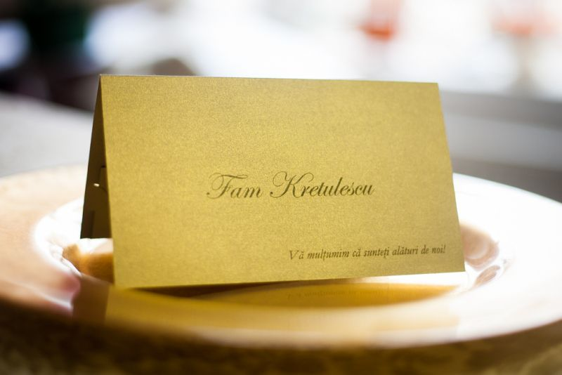Plic de bani elegant din carton auriu
