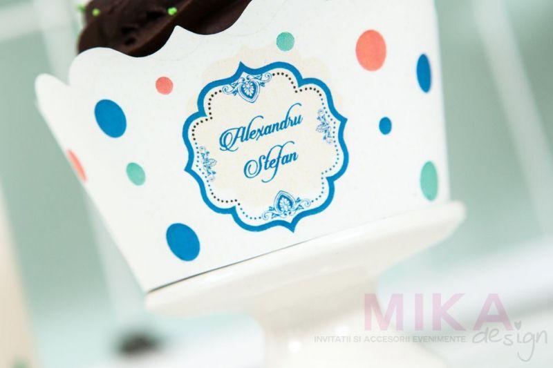 Ambalaj cupcake persononalizat cu buline retro - poza 2