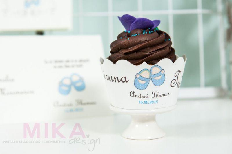 ambalaj cupcakes cu botosei bleu