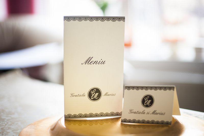 Card de masa elegant alb cu negru - poza 2