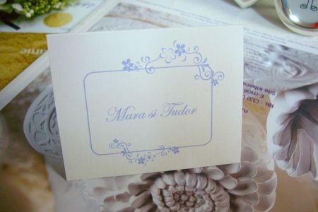 Card de masa, design cu chenar si flori mov - poza 1