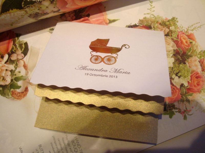 Invitatie botez eleganta cu carucior auriu - poza 4