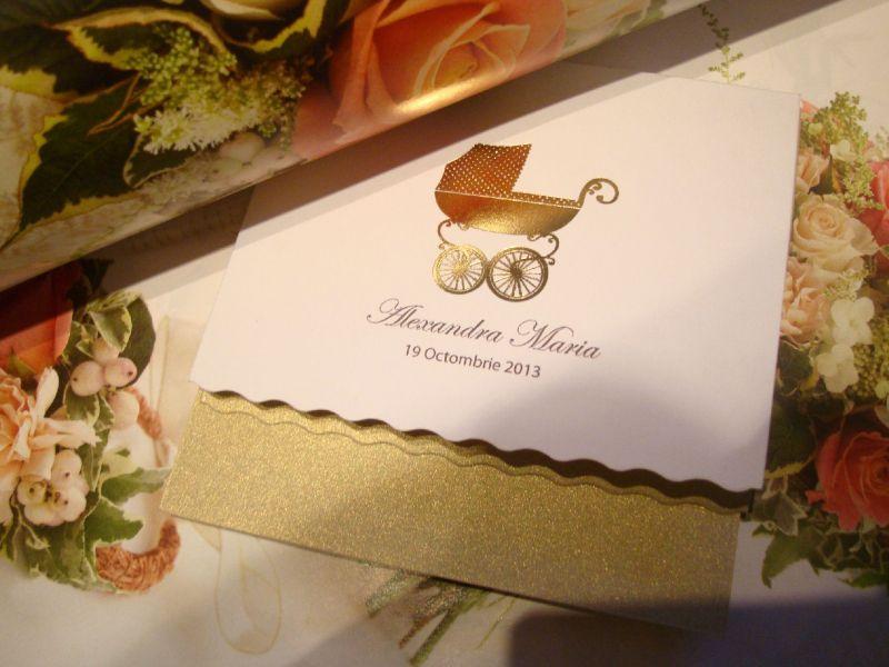 Invitatie botez eleganta cu carucior auriu - poza 3