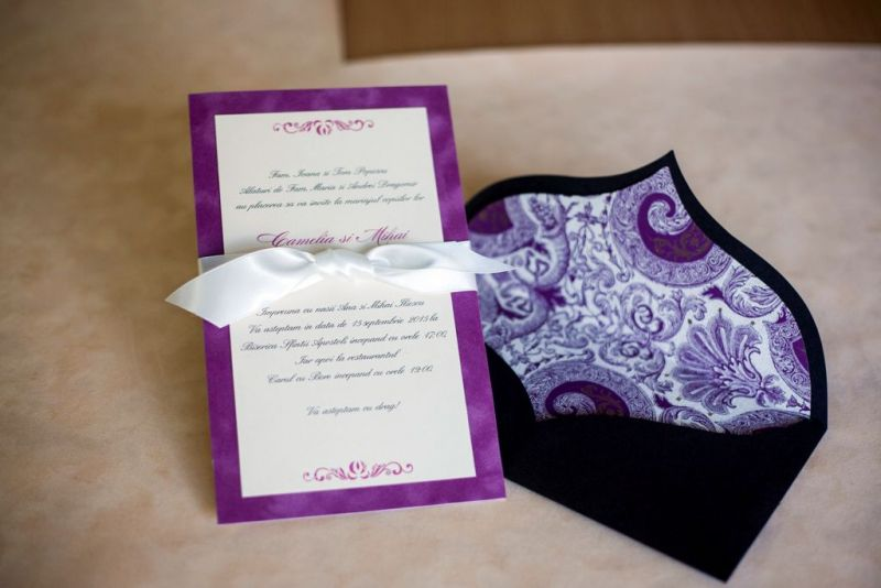 Invitatie nunta din catifea lila - poza 2