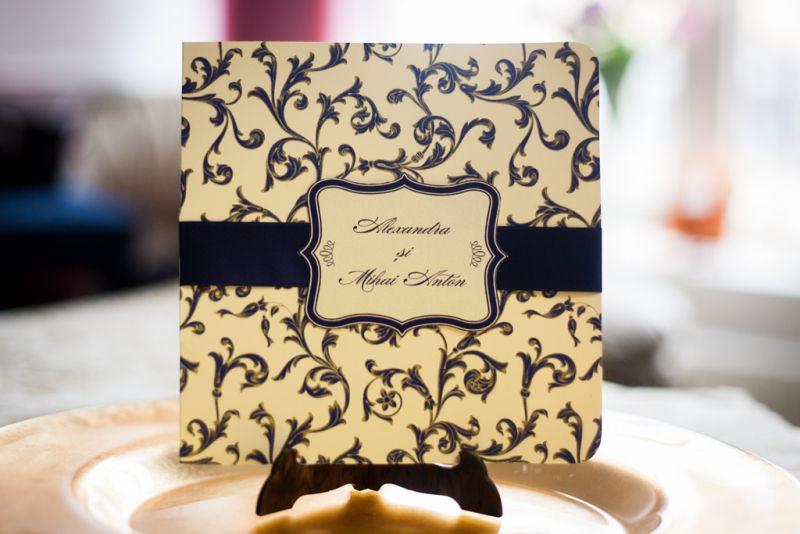 invitatie nunta eleganta albastru cu auriu
