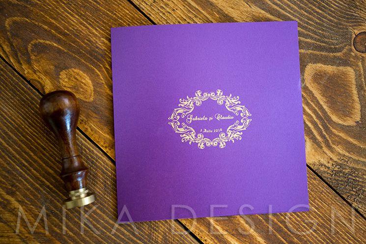 Invitatie nunta mov cu auriu - poza 1