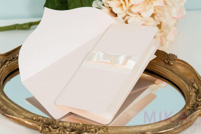 Invitatie nunta pastel cu dantela - poza 1