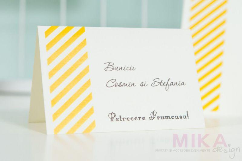 Place card-uri cu dungi multicolore - poza 2